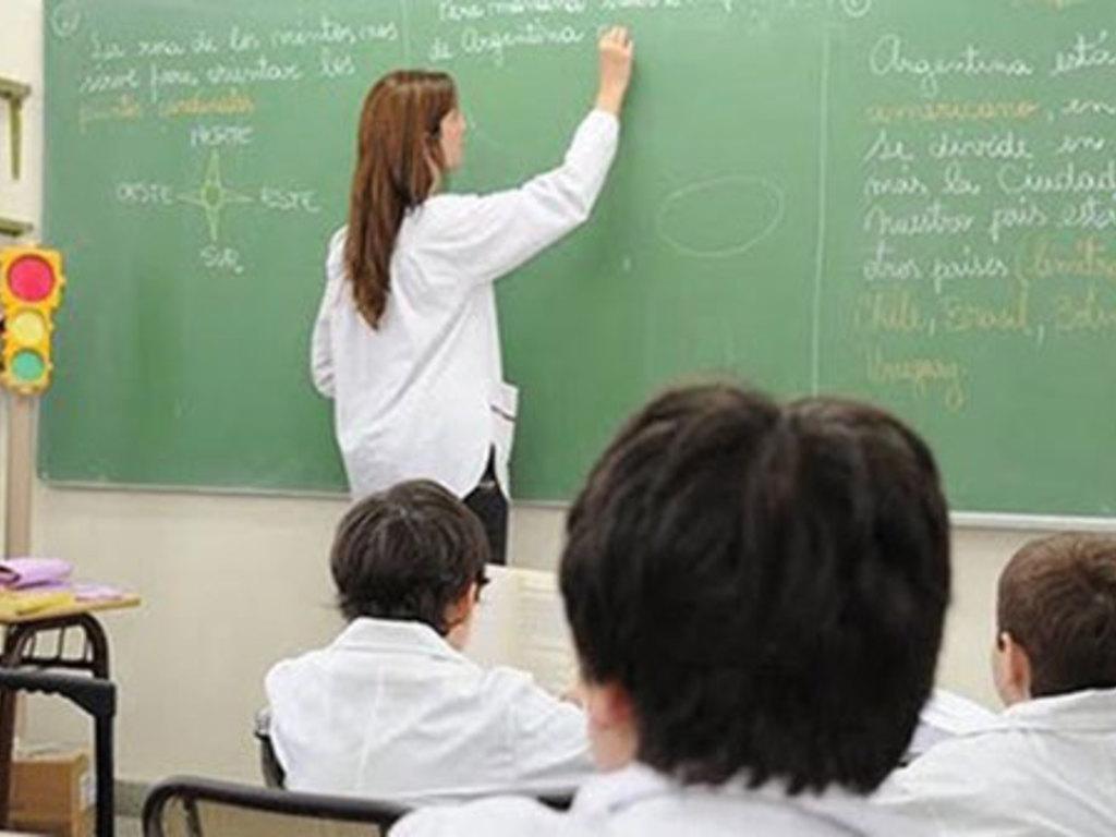 Estudiantes de 6 profesorados tendrán una beca de $7.400 - ElSol.com ...