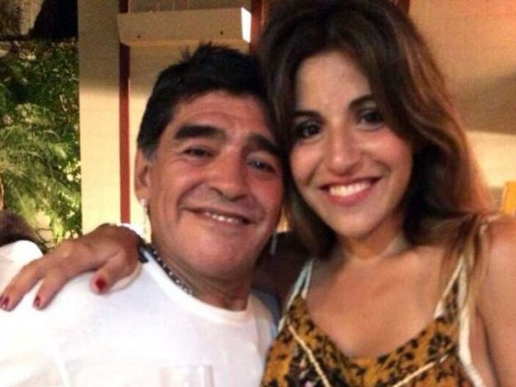 https://elsol-compress-release.s3-accelerate.amazonaws.com/images/large/1515793843316Gianinna-y-Diego-Maradona-630x433.jpg