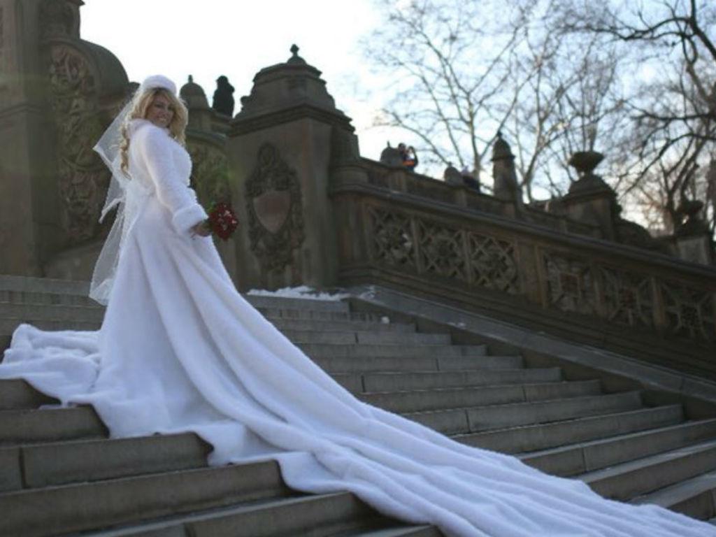 Vicky Xipolitakis donó su vestido de novia para ayudar a un niño ...