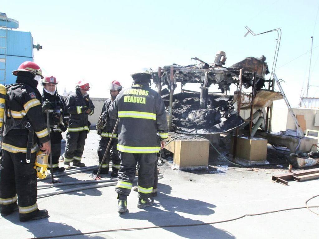 https://elsol-compress-release.s3-accelerate.amazonaws.com/images/large/1521740132379incendio%200.jpg
