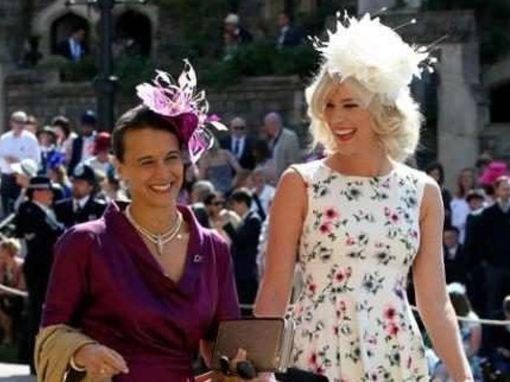 Fotos  los tocados más extravagantes en la boda real - ElSol.com.ar ... 036ddce32c2