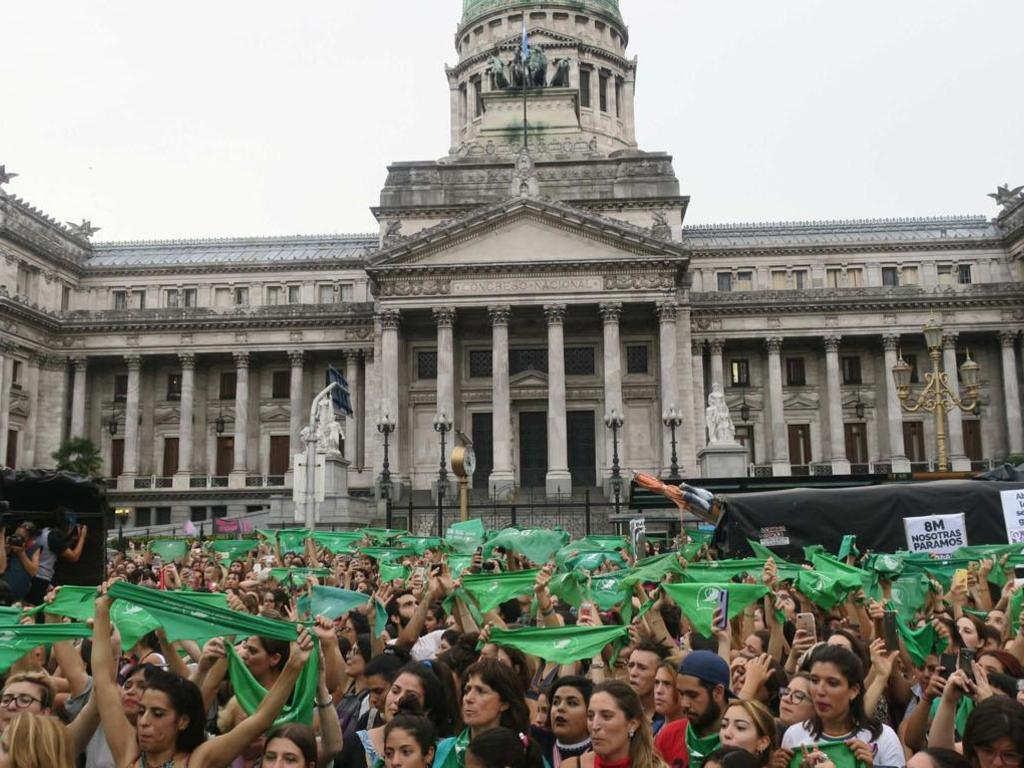 https://elsol-compress-release.s3-accelerate.amazonaws.com/images/large/1539517713071congreso%20aborto.jpg