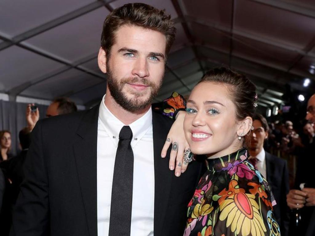 https://elsol-compress-release.s3-accelerate.amazonaws.com/images/large/1542193398318miley_cyrus_liam_hemsworth.jpg