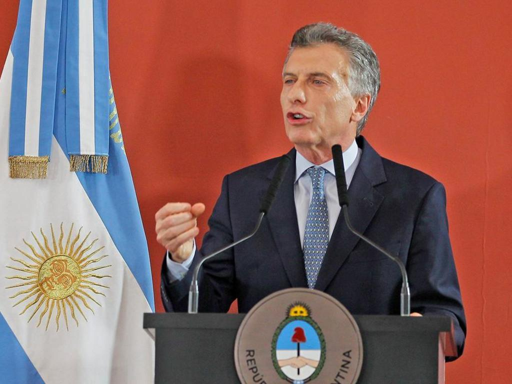https://elsol-compress-release.s3-accelerate.amazonaws.com/images/large/1543247072497macri.jpg