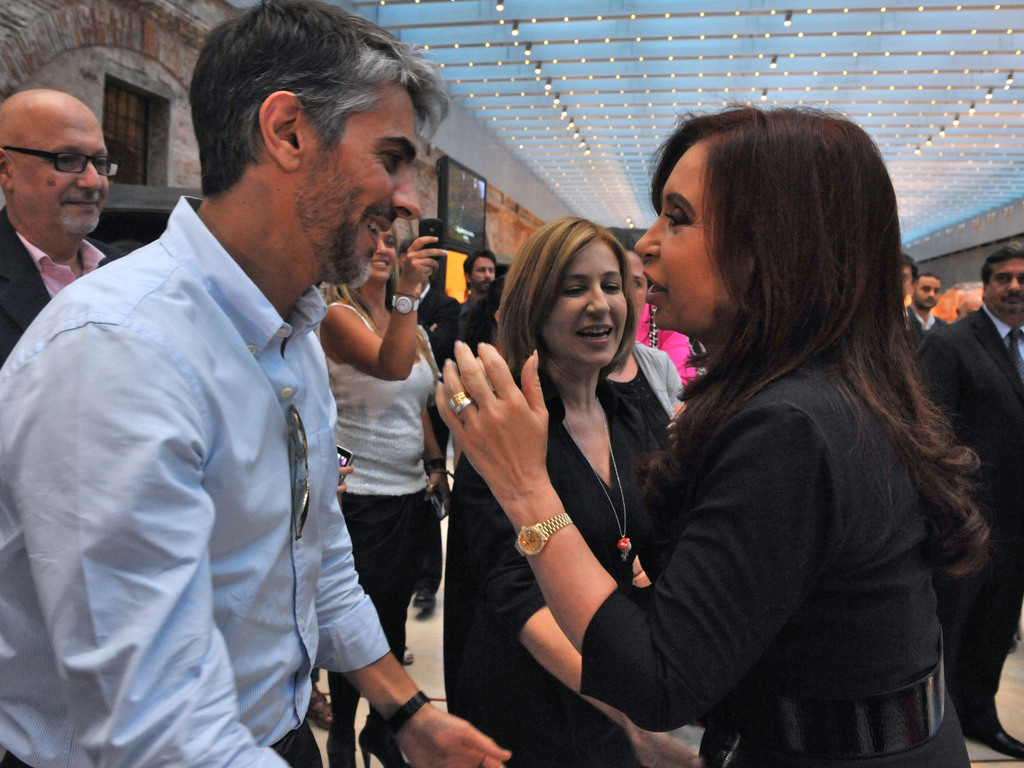 https://elsol-compress-release.s3-accelerate.amazonaws.com/images/large/1544037167649Pablo_Echarri_con_Cristina_Ferna%CC%81ndez_de_Kirchner.jpg