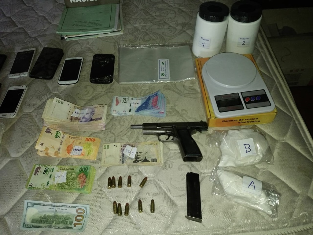 https://elsol-compress-release.s3-accelerate.amazonaws.com/images/large/1547236871593Golpe%20narco.jpg