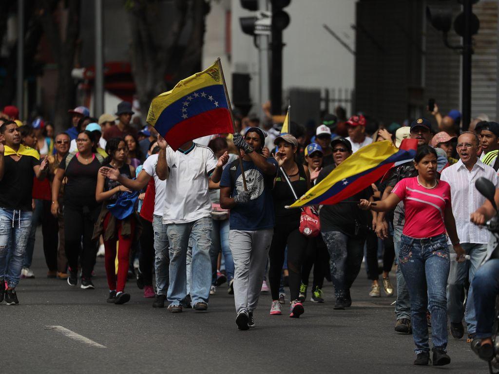 adcfceef60 Videos  la crisis en Venezuela desata marchas