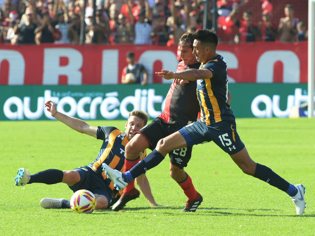 https://elsol-compress-release.s3-accelerate.amazonaws.com/images/large/154983721343110-02-2019_newells_old_boys_y_rosario.jpg