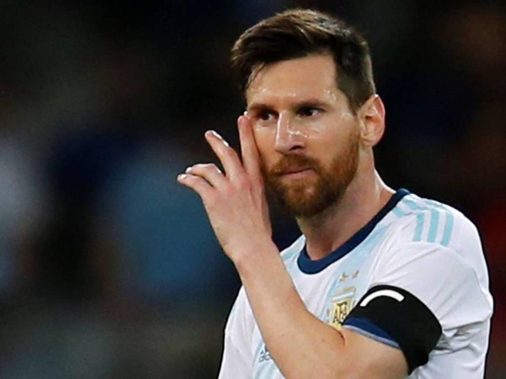 https://elsol-compress-release.s3-accelerate.amazonaws.com/images/large/1561028861466messi%20contra%20Paraguay.jpg