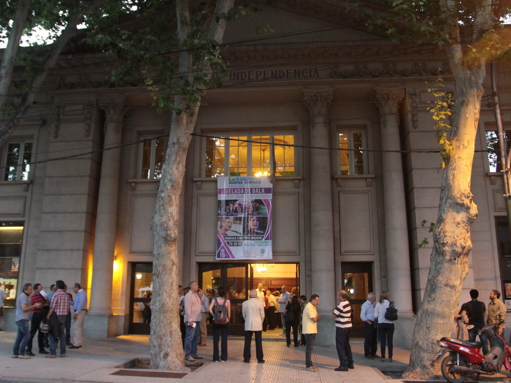 https://elsol-compress-release.s3-accelerate.amazonaws.com/images/large/1564678984327teatro%20independencia.jpg