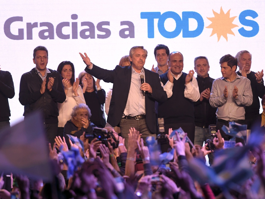 https://elsol-compress-release.s3-accelerate.amazonaws.com/images/large/156558201227712-08-2019_el_precandidato_a_presidente_por.jpg