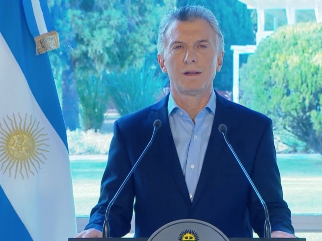 https://elsol-compress-release.s3-accelerate.amazonaws.com/images/large/1565798957201Macri.jpg
