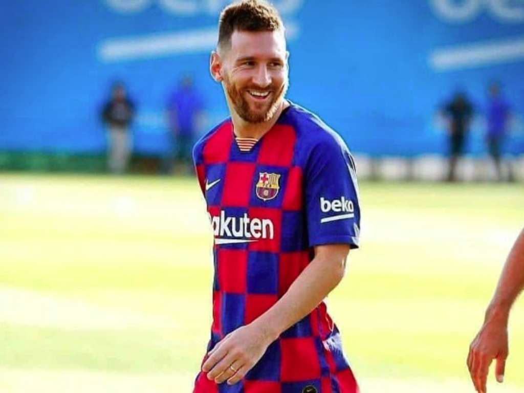 https://elsol-compress-release.s3-accelerate.amazonaws.com/images/large/1566500781454Messi.jpg