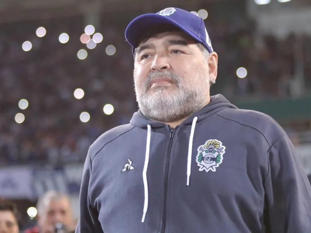 https://elsol-compress-release.s3-accelerate.amazonaws.com/images/large/1570061594253Maradona.jpg