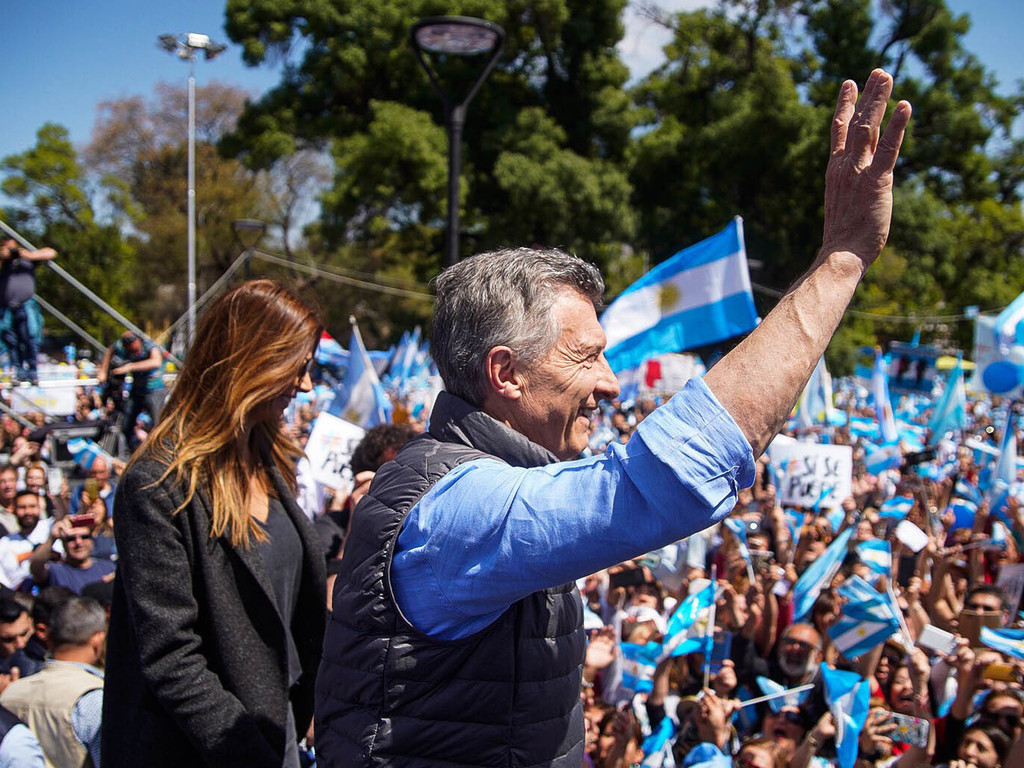 https://elsol-compress-release.s3-accelerate.amazonaws.com/images/large/1570301224812Macri%20y%20Juliana%20Awada.jpg