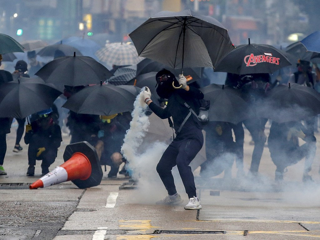 https://elsol-compress-release.s3-accelerate.amazonaws.com/images/large/1570372799897Protestas%20Hong%20Kong.jpg