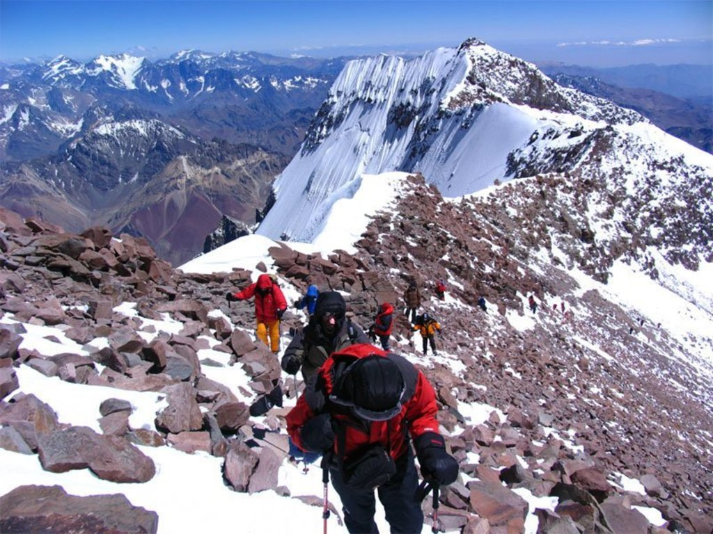 https://elsol-compress-release.s3-accelerate.amazonaws.com/images/large/1572462411718aconcagua.jpg