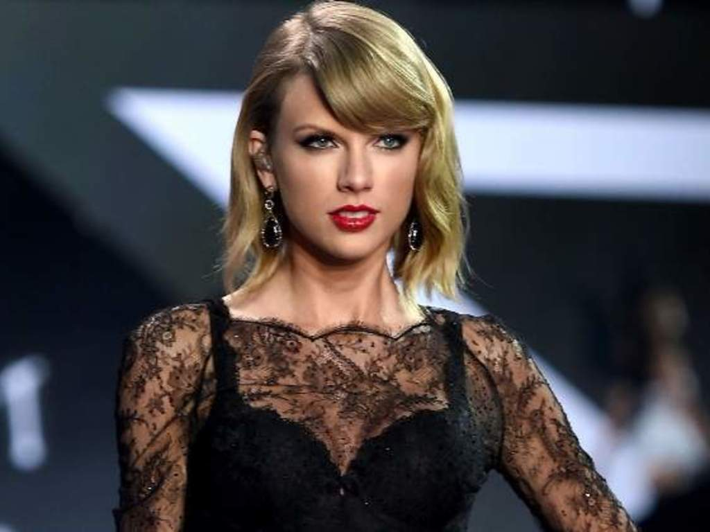 https://elsol-compress-release.s3-accelerate.amazonaws.com/images/large/1573815469886taylor-swift.jpg