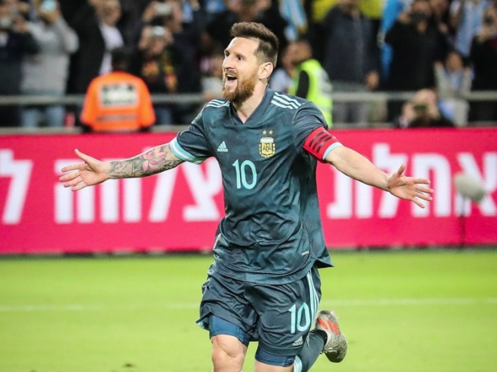https://elsol-compress-release.s3-accelerate.amazonaws.com/images/large/1574193237155Messi.jpg