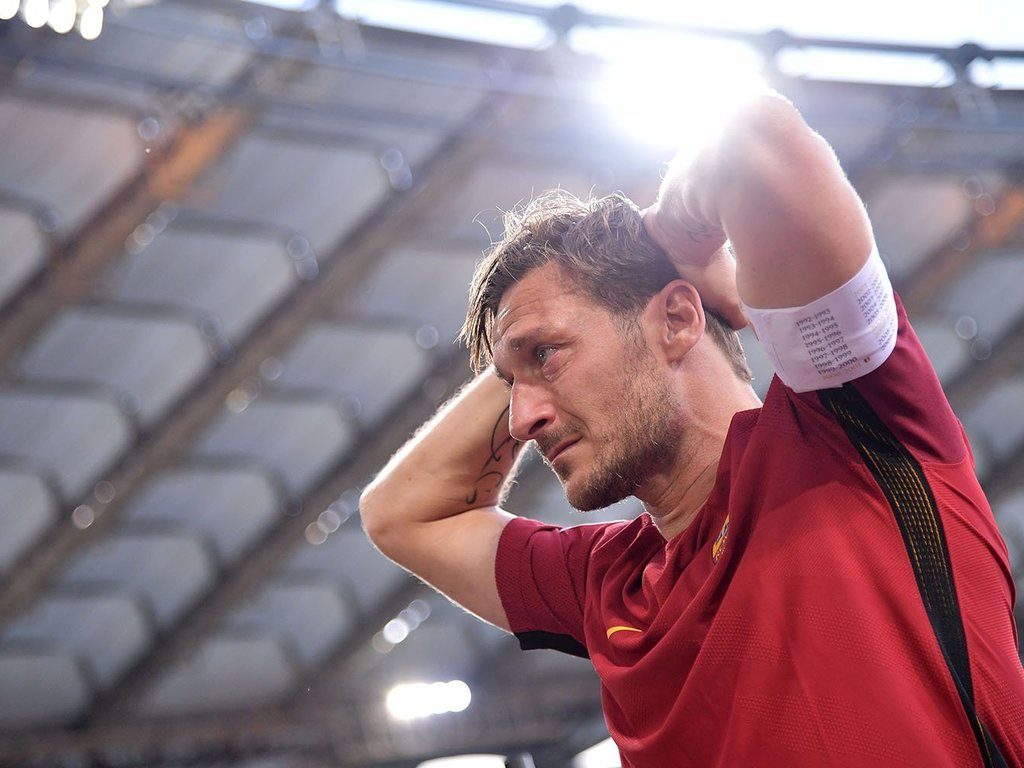 https://elsol-compress-release.s3-accelerate.amazonaws.com/images/large/1579036149678Totti.jpg