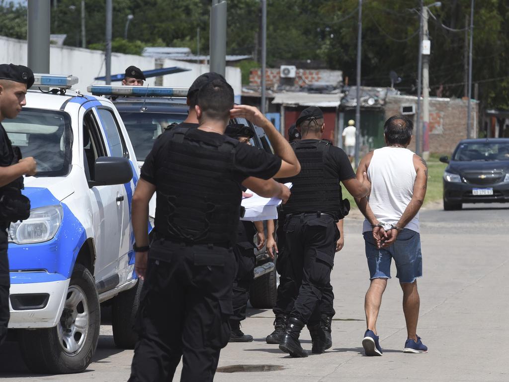 https://elsol-compress-release.s3-accelerate.amazonaws.com/images/large/157904437935414-01-2020_rosario_operativo_policial_en_las.jpg