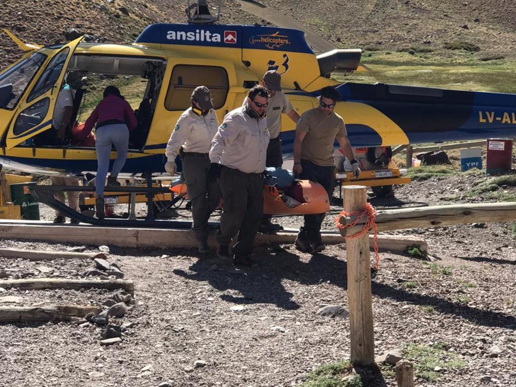 https://elsol-compress-release.s3-accelerate.amazonaws.com/images/large/1579696613979Rescate%20aconcagua.jpg