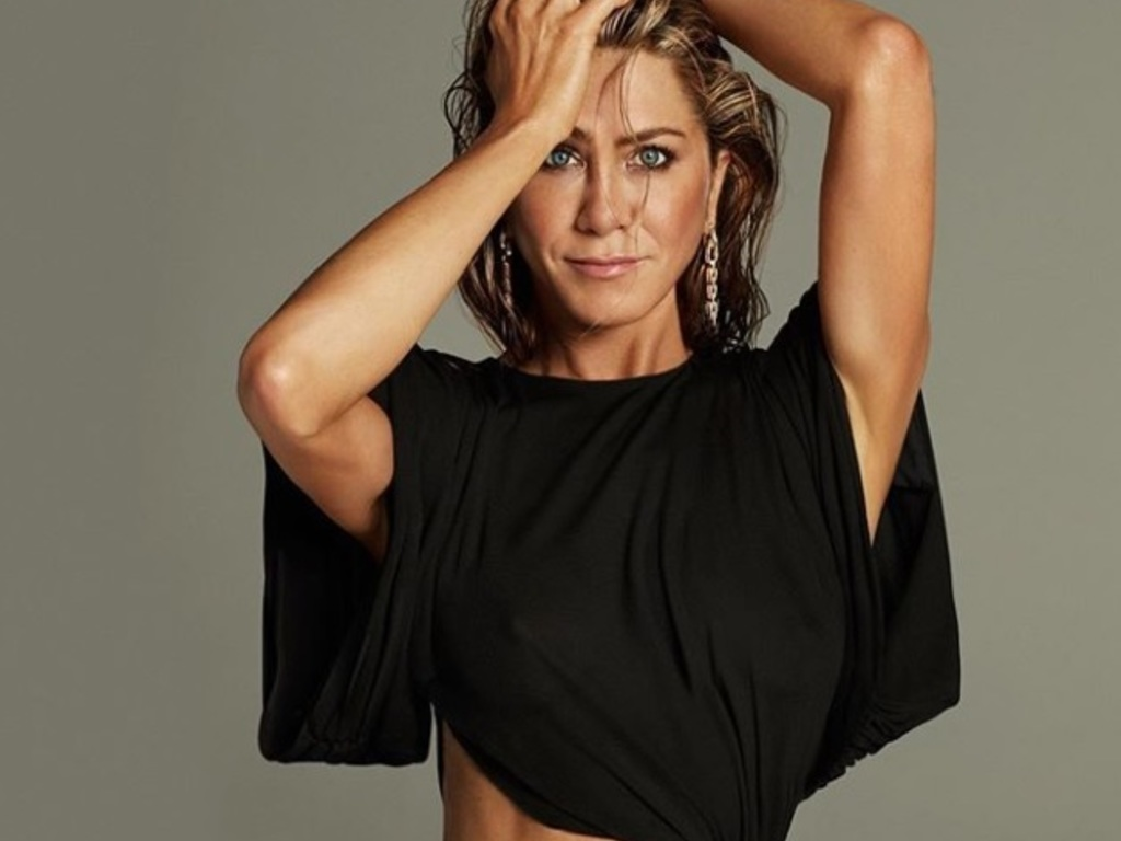 https://elsol-compress-release.s3-accelerate.amazonaws.com/images/large/1581463562999aniston.jpg