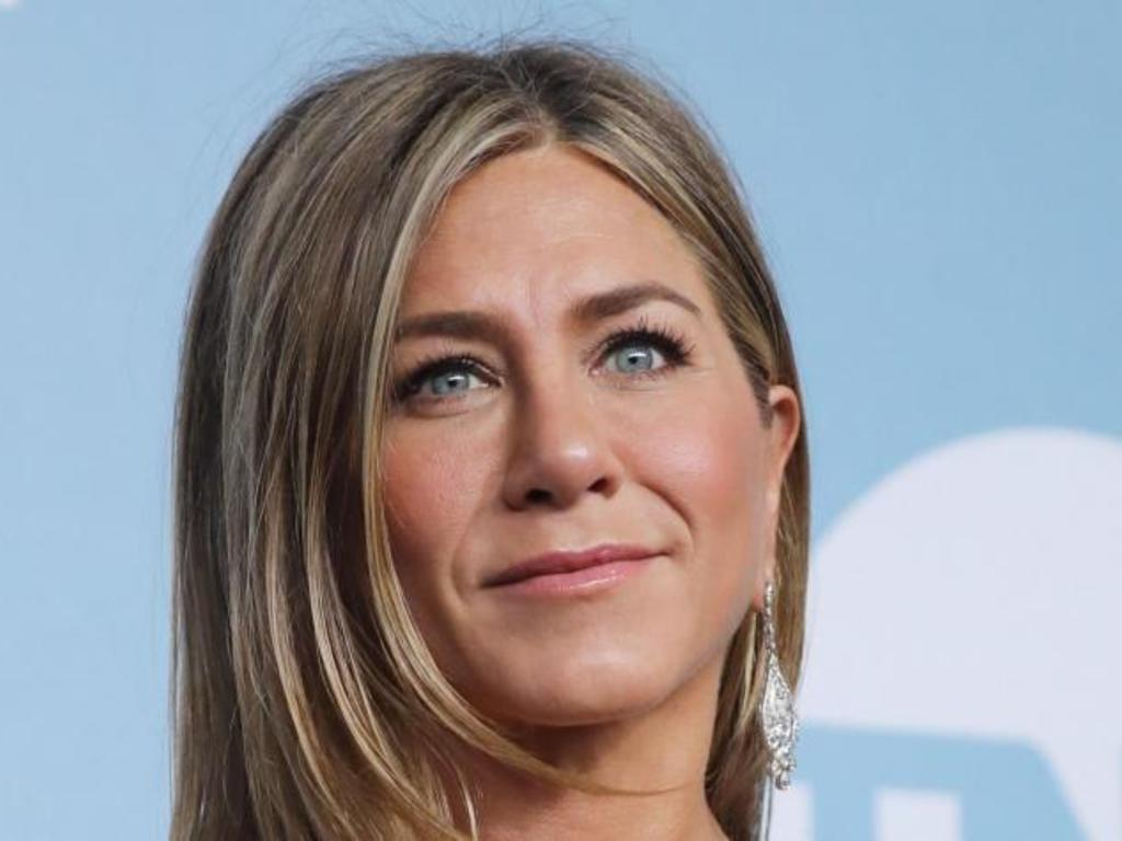 https://elsol-compress-release.s3-accelerate.amazonaws.com/images/large/1581680558882Jennifer%20Aniston.jpg