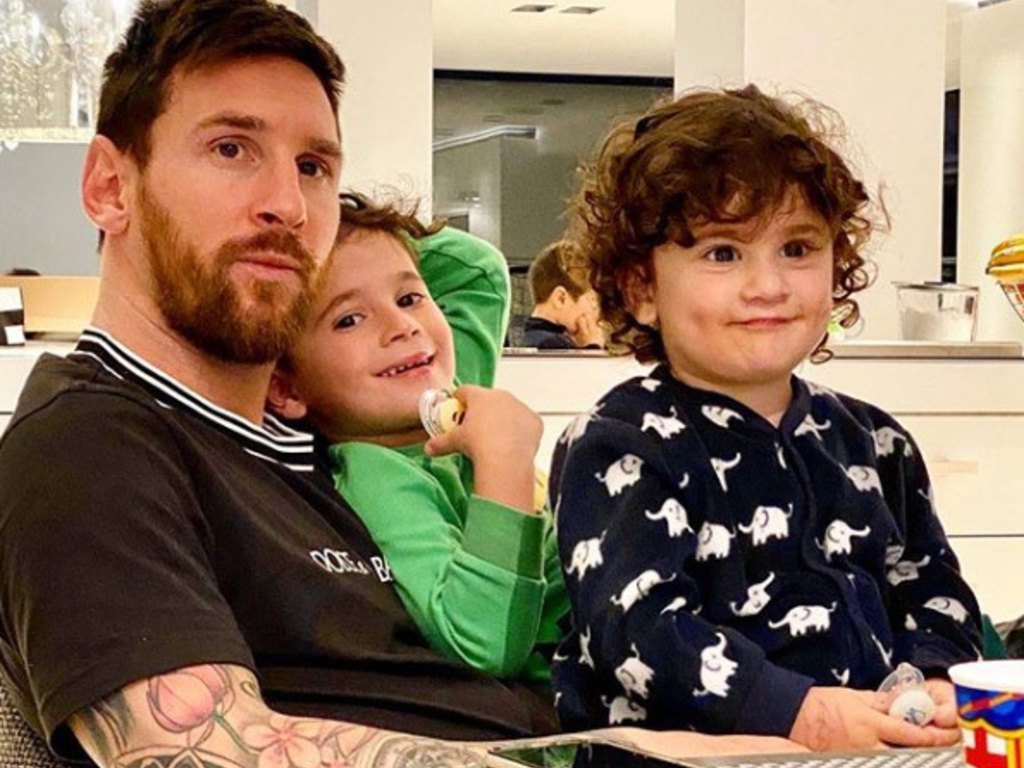 https://elsol-compress-release.s3-accelerate.amazonaws.com/images/large/1585168955325Messi.jpg