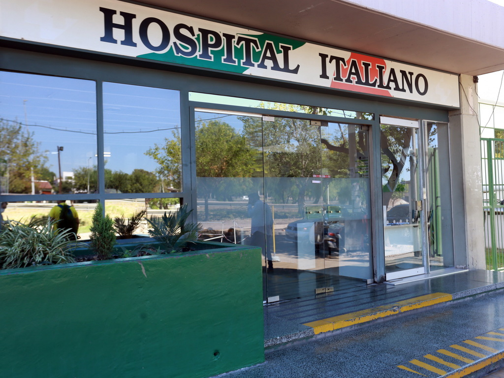 https://elsol-compress-release.s3-accelerate.amazonaws.com/images/large/1585327768890Hospital%20Italiano%20(1).jpg
