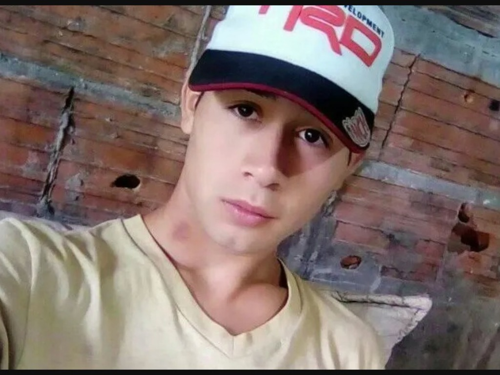 https://elsol-compress-release.s3-accelerate.amazonaws.com/images/large/1586520303113brian%20asesinado%20por%20su%20padre.jpg
