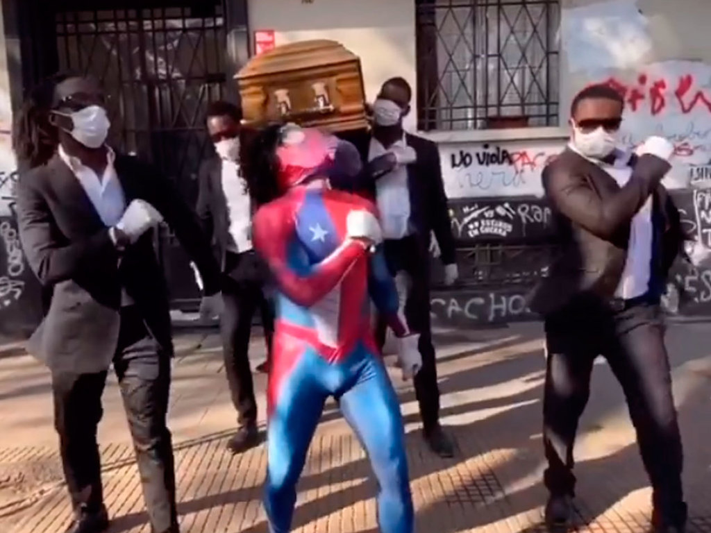 https://elsol-compress-release.s3-accelerate.amazonaws.com/images/large/1588072067806Spiderman-ataud.jpg