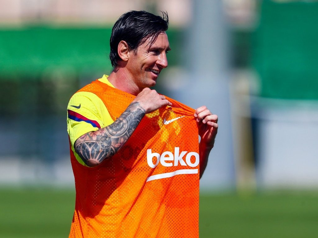 https://elsol-compress-release.s3-accelerate.amazonaws.com/images/large/1590522339348Messi.jpg