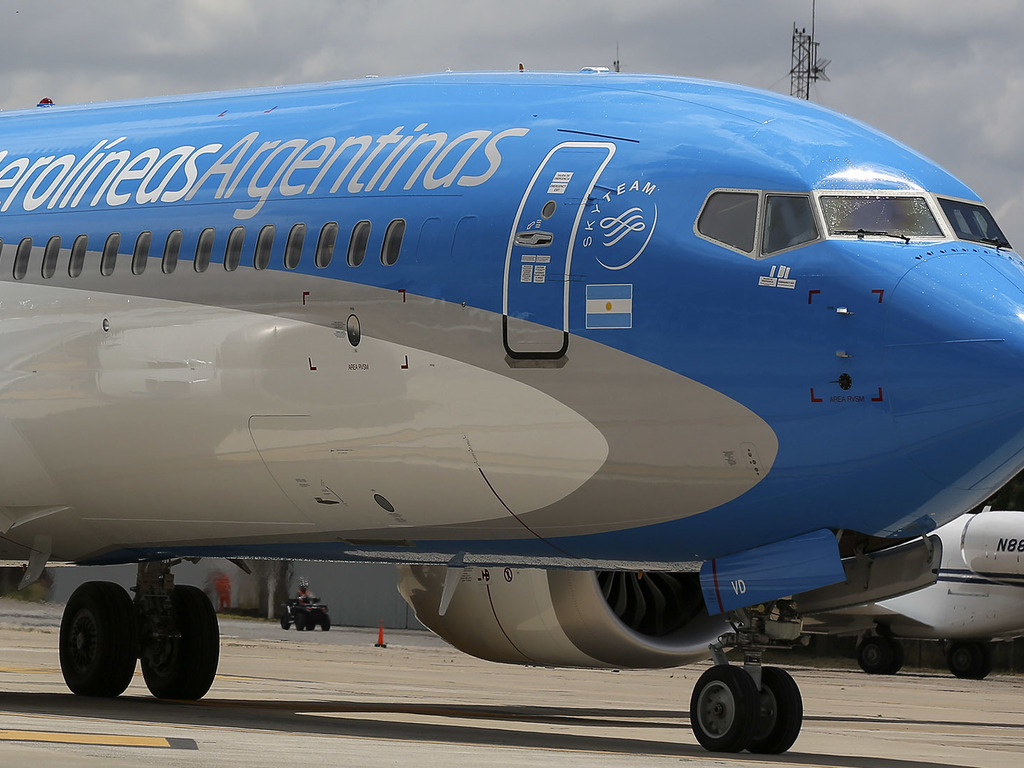 https://elsol-compress-release.s3-accelerate.amazonaws.com/images/large/1590676494873Nuevo-Boeing-MAX-Aerolineas-Argentinas-11.jpg