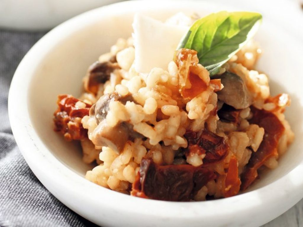 https://elsol-compress-release.s3-accelerate.amazonaws.com/images/large/1597408199612risotto-tapa.jpg