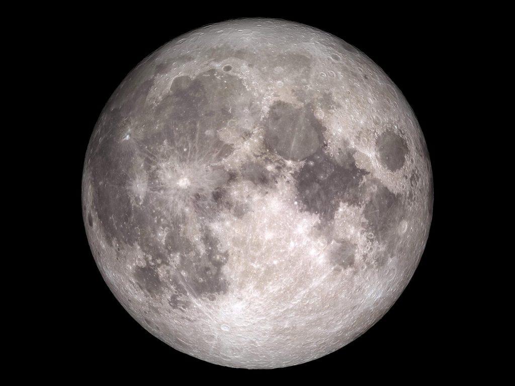 https://elsol-compress-release.s3-accelerate.amazonaws.com/images/large/1597418000551Lunar-Reconnaissance-Orbiter-Moon.jpg