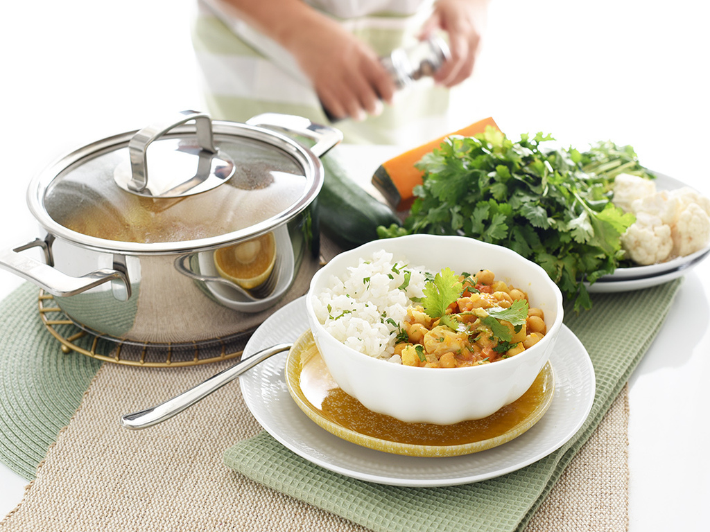 https://elsol-compress-release.s3-accelerate.amazonaws.com/images/large/1603851692792Curry-de-garbanzos.jpg