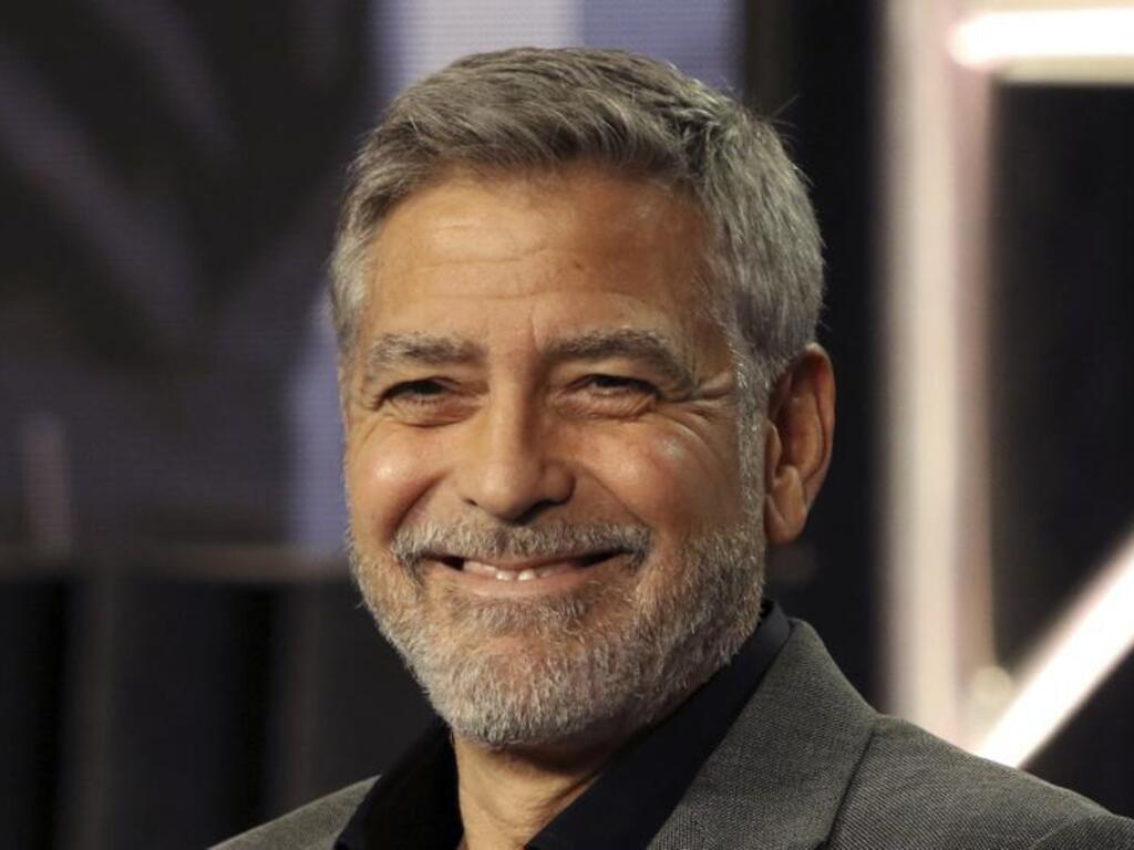 https://elsol-compress-release.s3-accelerate.amazonaws.com/images/large/1606821299824George%20Clooney%20-%20Flowbee.jpg
