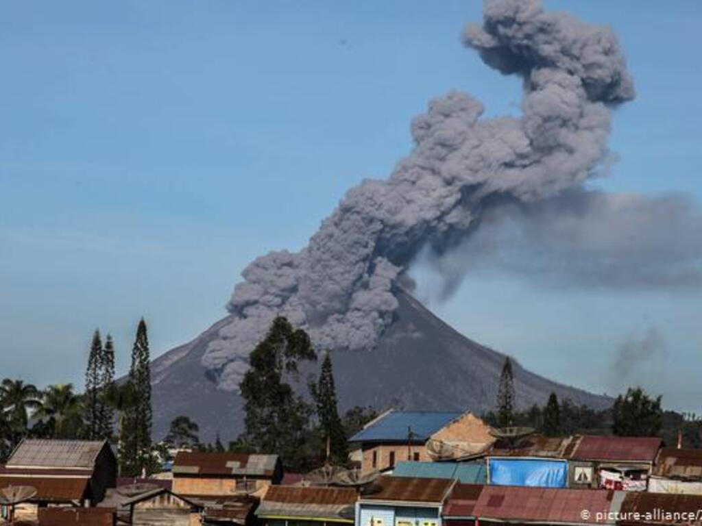 https://elsol-compress-release.s3-accelerate.amazonaws.com/images/large/1614684255773Sinabung.jpg