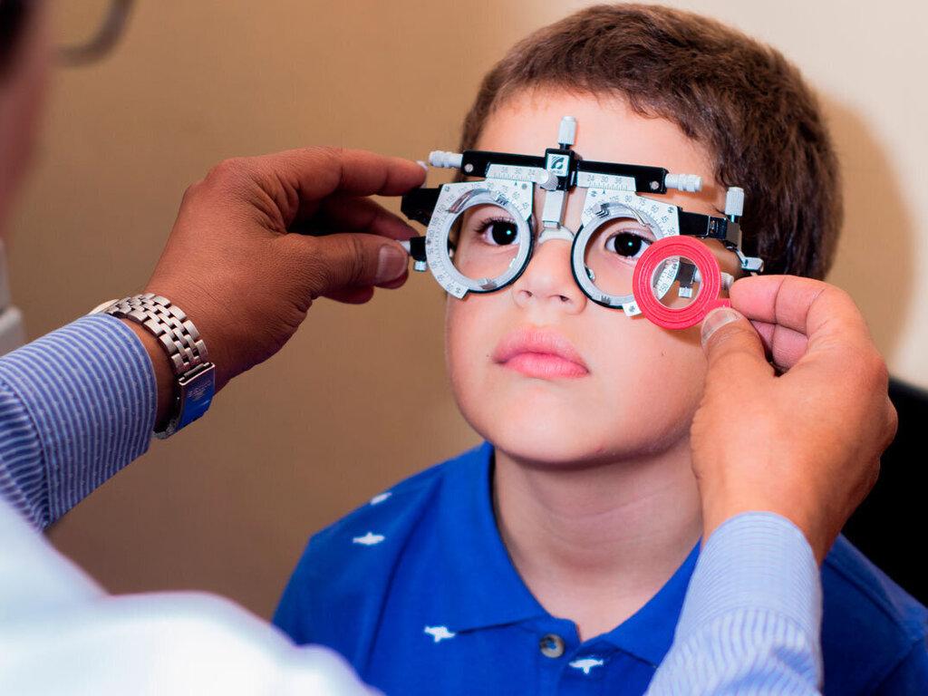https://elsol-compress-release.s3-accelerate.amazonaws.com/images/large/1616432379014vista-oftalmologo-garantia-calidad-optica-arequipa-medicion-ninos-infantil-monturas-lentes-deporte.jpg