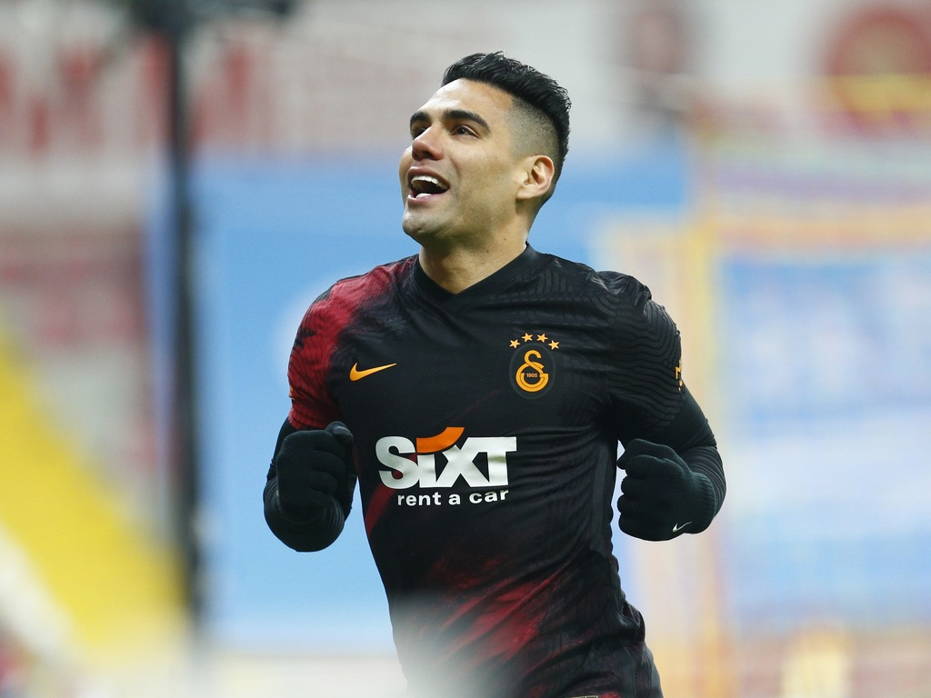 https://elsol-compress-release.s3-accelerate.amazonaws.com/images/large/1618175572242FalcaoGalatasaray.jpg