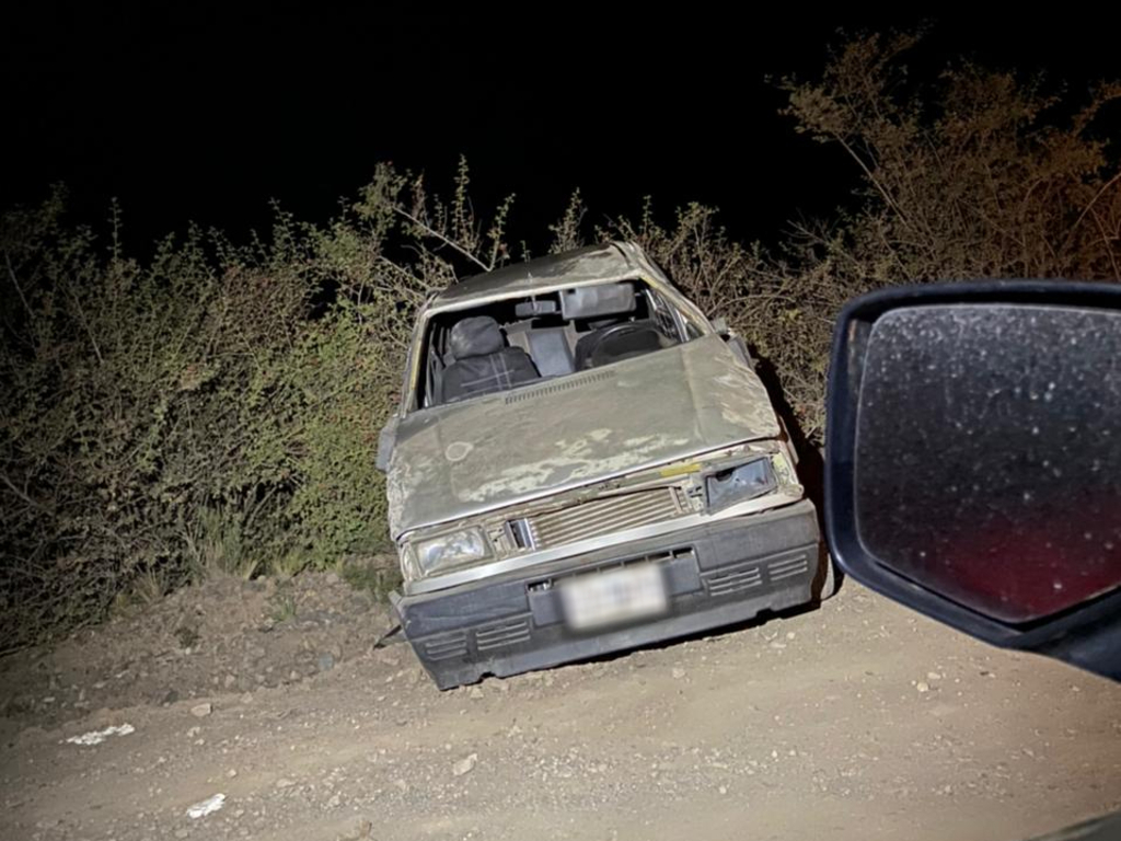 https://elsol-compress-release.s3-accelerate.amazonaws.com/images/large/1618914185303Auto%20accidentado%20Vallecitos.jpg