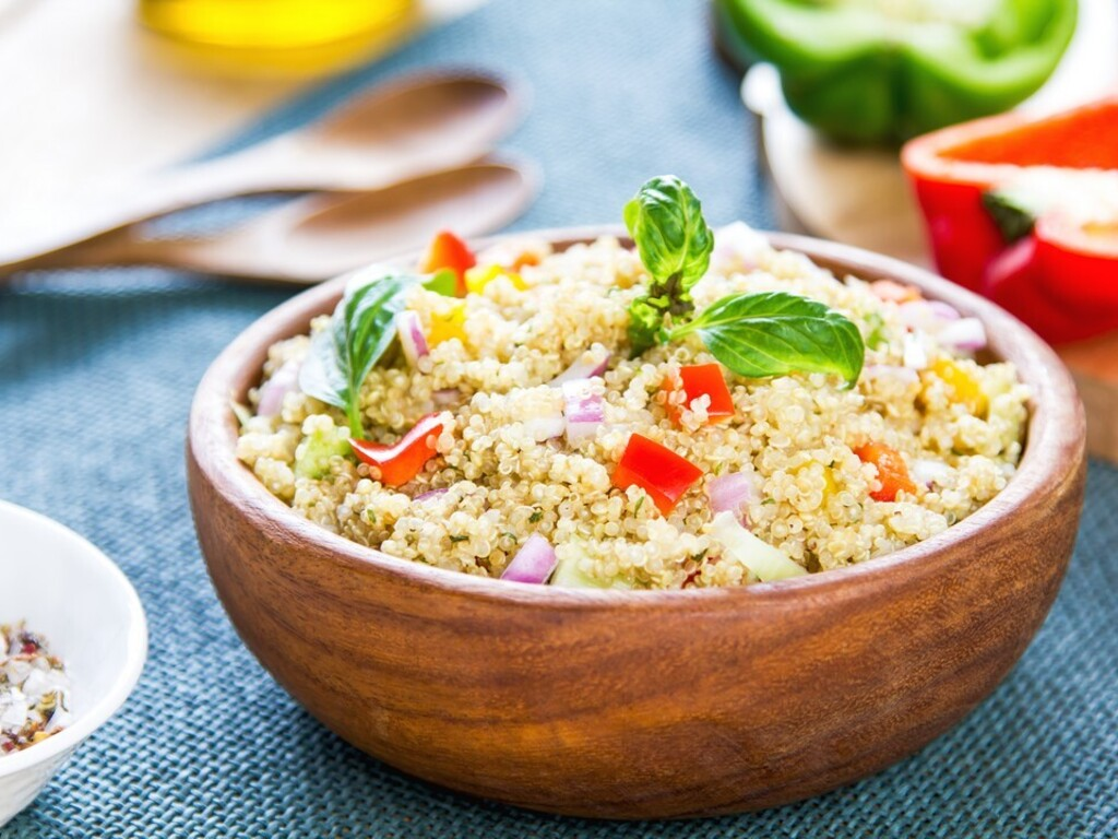 https://elsol-compress-release.s3-accelerate.amazonaws.com/images/large/1626987182118quinoa%20y%20pollo.jpg