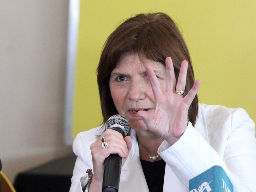 https://elsol-compress-release.s3-accelerate.amazonaws.com/images/large/1627922872171Patricia%20Bullrich%20(5).jpg