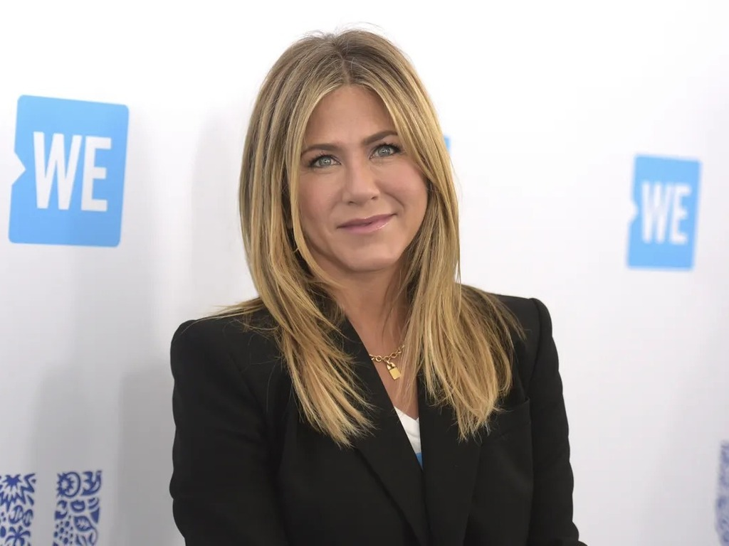 https://elsol-compress-release.s3-accelerate.amazonaws.com/images/large/1631896105833Jennifer%20Aniston%20P.jpg
