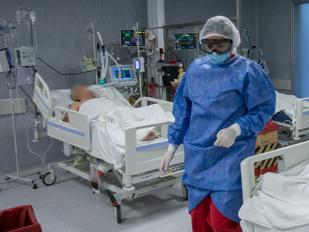 https://elsol-compress-release.s3-accelerate.amazonaws.com/images/large/1631917166515UTI%20Hospital%20Central%20Terapia%20Intensiva%20Hospital%20Central%20(72).jpg