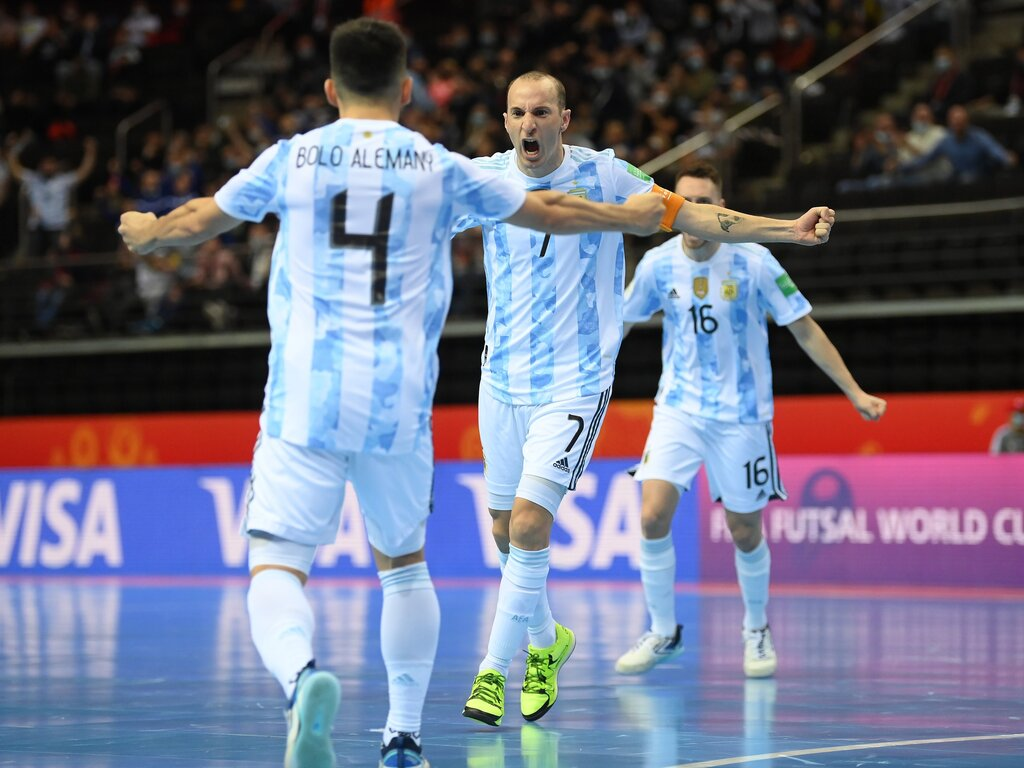 https://elsol-compress-release.s3-accelerate.amazonaws.com/images/large/1632679750161Futsal.jpg